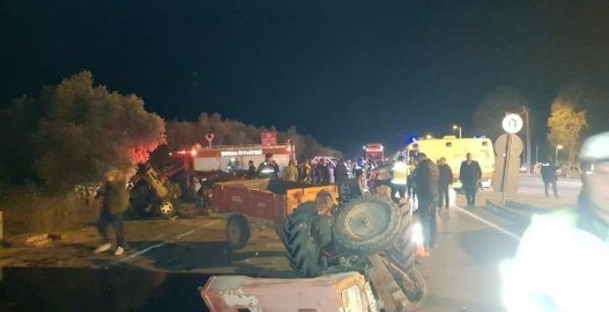 Otomobille traktör kafa kafaya çarpıştı: 1 ölü, 3 yaralı