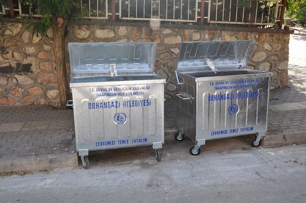 Orhangazi'de Çöp Konteynerleri Yenilendi