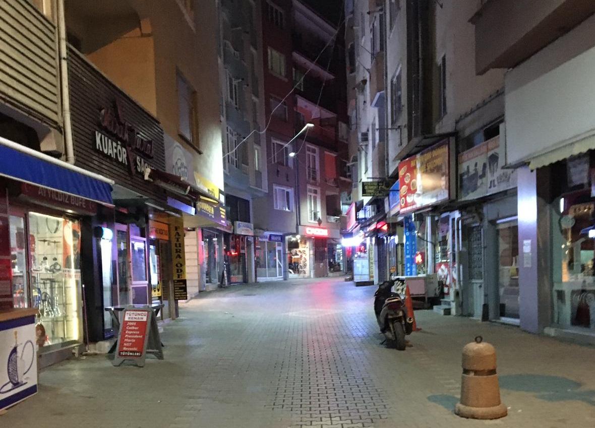 FIRINLAR HARİÇ TÜM İŞYERLERİ SAAT 20.00'DE KAPANIYOR