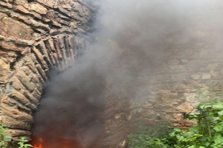 Tarihi Surları Ateşe Verdiler!